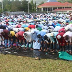 شاهد بالصور احتفال جموع المسلمين بعيد الفطر في جزيرة سيشل للسنة الرابعة علي التوالي