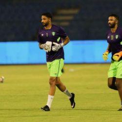 هزاع الهزاع يخطف نجومية مباراة فريقه أمام الأهلي في الجولة الأولى من دوري المحترفين السعودي في موسمه الجديد