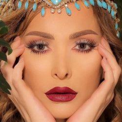 المغنية اللبنانية أمل حجازي تعلن حجابها وإعتزالها الغناء