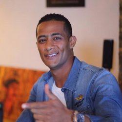الممثل المصري محمد رمضان يطل علي جمهوره بمظهر جديد