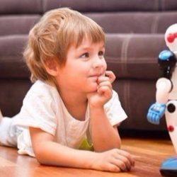 باحثون يحذرون من خطورة الألعاب الروبوتية علي نفسية الطفل