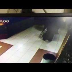 شاهد عمليه سطو مسلح لأحد البنوك في منطقة الوحدات بعمان