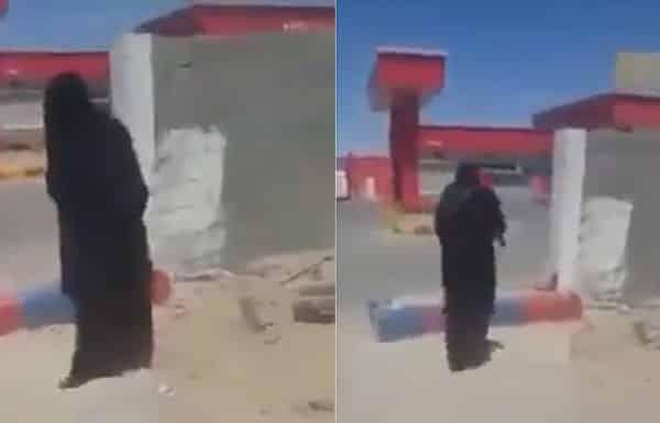 مواطن يضبط رجل أثناء يرتدي عباءة نسائية ويقوم بالتسول بجوار أحد المساجد بحفر الباطن