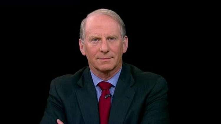 """دبلوماسي أمريكي كبير سابق : يؤكد بلاده تشهد حاليا """"أخطر لحظة"""" في تاريخها الحديث"""