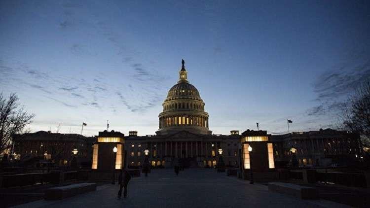 لجنة الطاقة والتجارة بمجلس النواب الأمريكي يعمل على إقناع زوكربيرغ للإدلاء بشهادته