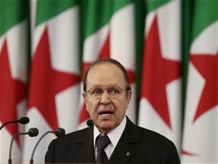 """""""جبهة التحرير الوطني"""" يطالب رئيس البلاد بوتفليقة بالترشح لولاية رئاسية خامسة"""
