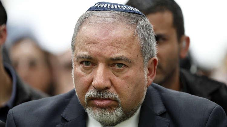 """وزير الدفاع الإسرائيلي يأمر الجيش  بـ""""أقصى قدر من الحزم"""" في قطاع غزة"""