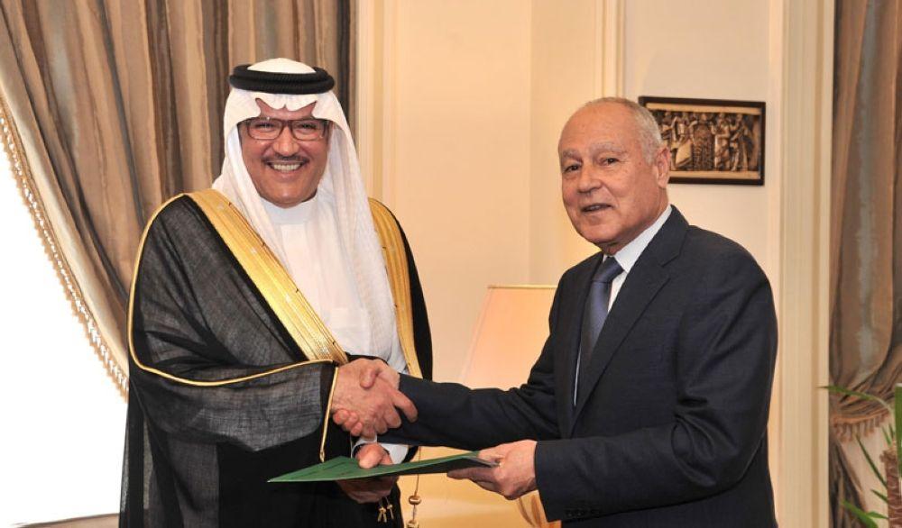 أسامة بن أحمد نقلي يتسلم خطاب اعتماد السفير نقلي