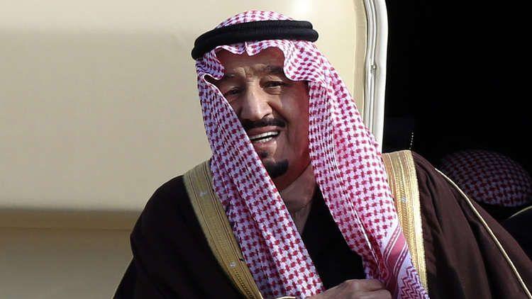 الملك سلمان : كأني ألاحظ تغيرا في طعم ماء زمزم