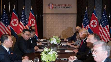 توقيع وثيقة بين الولايات المتحدة وكوريا الشمالية