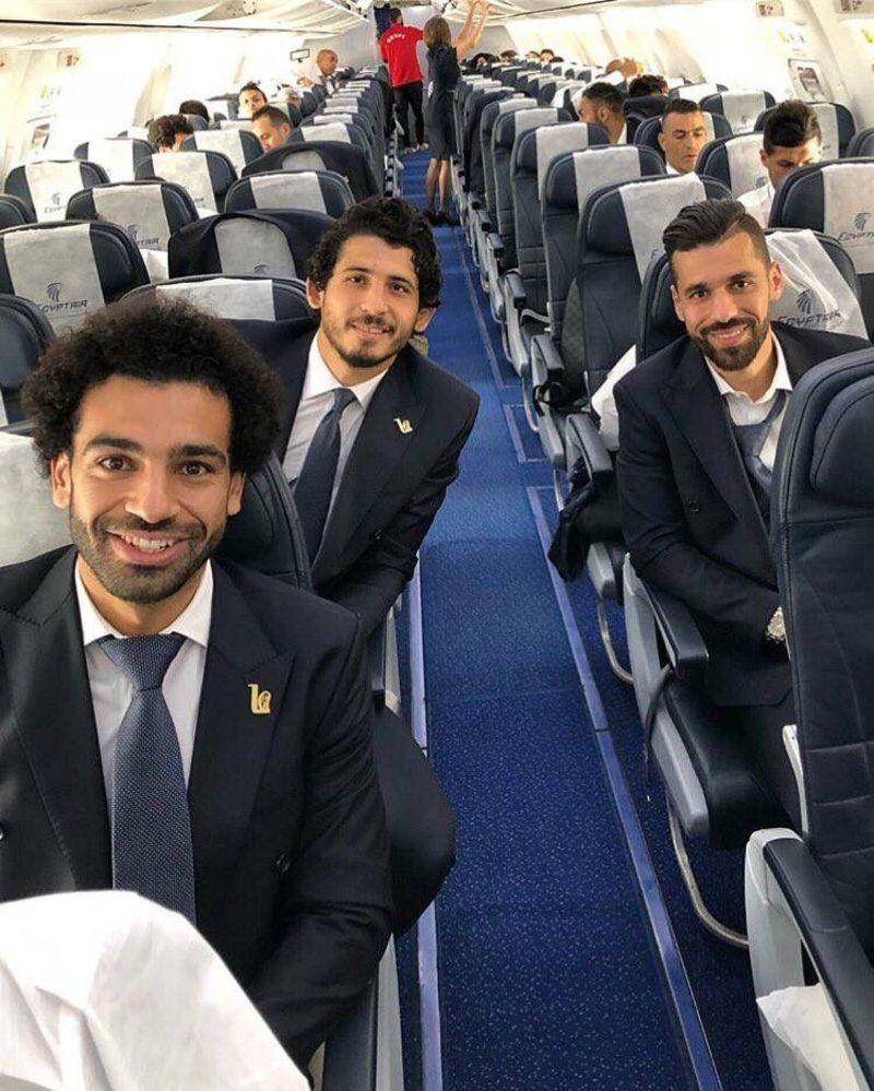 """برفقة """"اللاعب المحترف محمد صلاح"""".. المنتخب المصري يغادر إلى روسيا"""