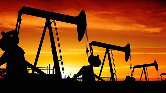 تراجع أسعار النفط بعد إرتفاع المخزون الأمريكي