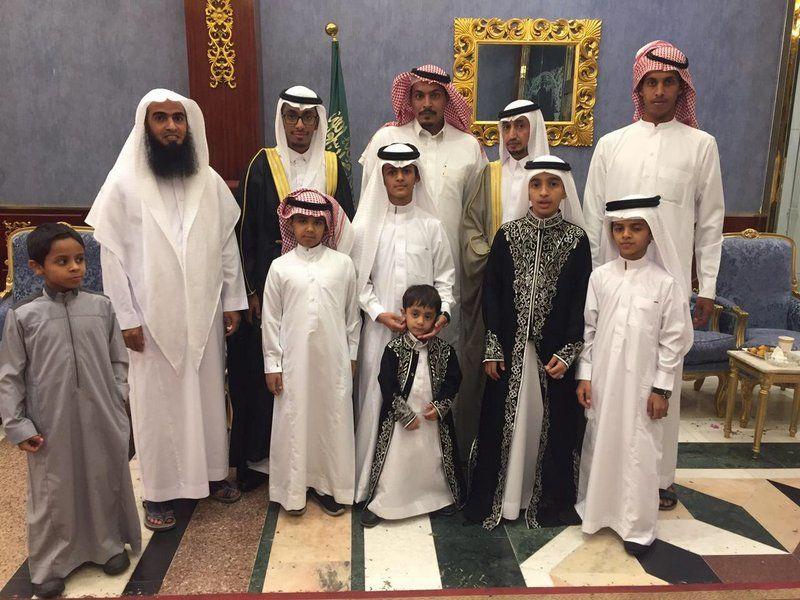 """الشيخ حسن نافع يحتفل بزفاف """"أحمد و""""عمار"""" بالمدينة المنورة"""