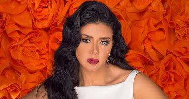 """الفنانة رانيا يوسف تواصل تصوير فيلميها الجديدين """"عش الدبابير"""" و""""دماغ شيطان"""""""