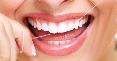 الطريقة الصحيحه لإختيار إستخدام خيط الأسنان