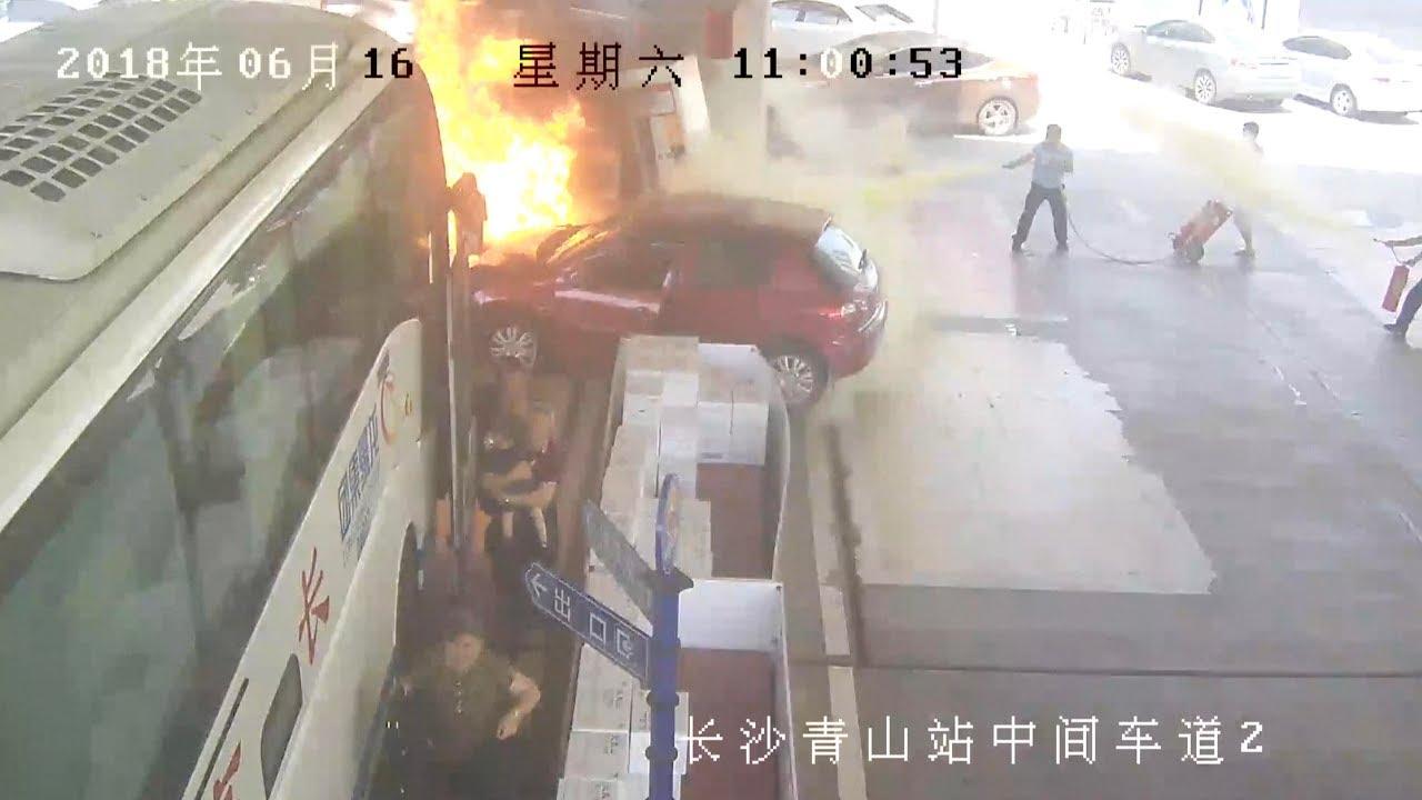 بالفيديو شاهد عمال محطة وقود يمنعون كارثة فى الصين