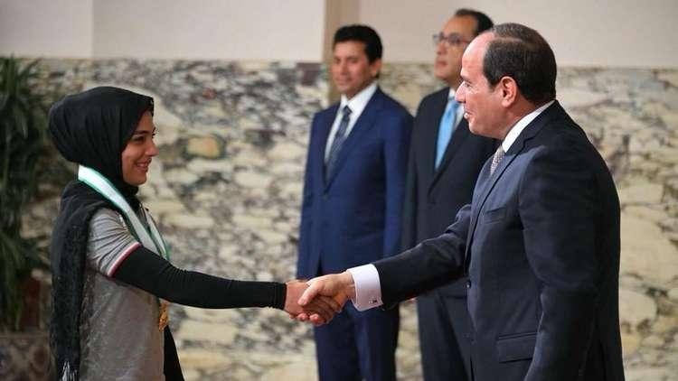 الرئيس المصري يكرم أبطال مصر الفائزين بميداليات خلال بطولة ألعاب البحر المتوسط
