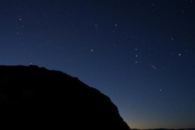 """الجمعية الفلكية بجدة: عودة نجوم الجبار """"أورايون"""" أو الجوزاء إلى سماء السعودية والوطن العربي في هذا الوقت"""