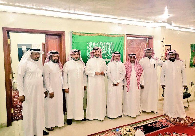 رئيس مجلس إدارة الجمعية العربية السعودية للثقافة والفنونيطلع على أنشطة وبرامج فرع جمعية الثقافة والفنون ببيشة