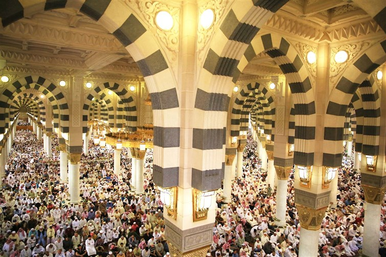 إمام وخطيب المسجد النبوي :مبادلة أهل الفضل بالفضل ومقابلة الجميل بالأجمل