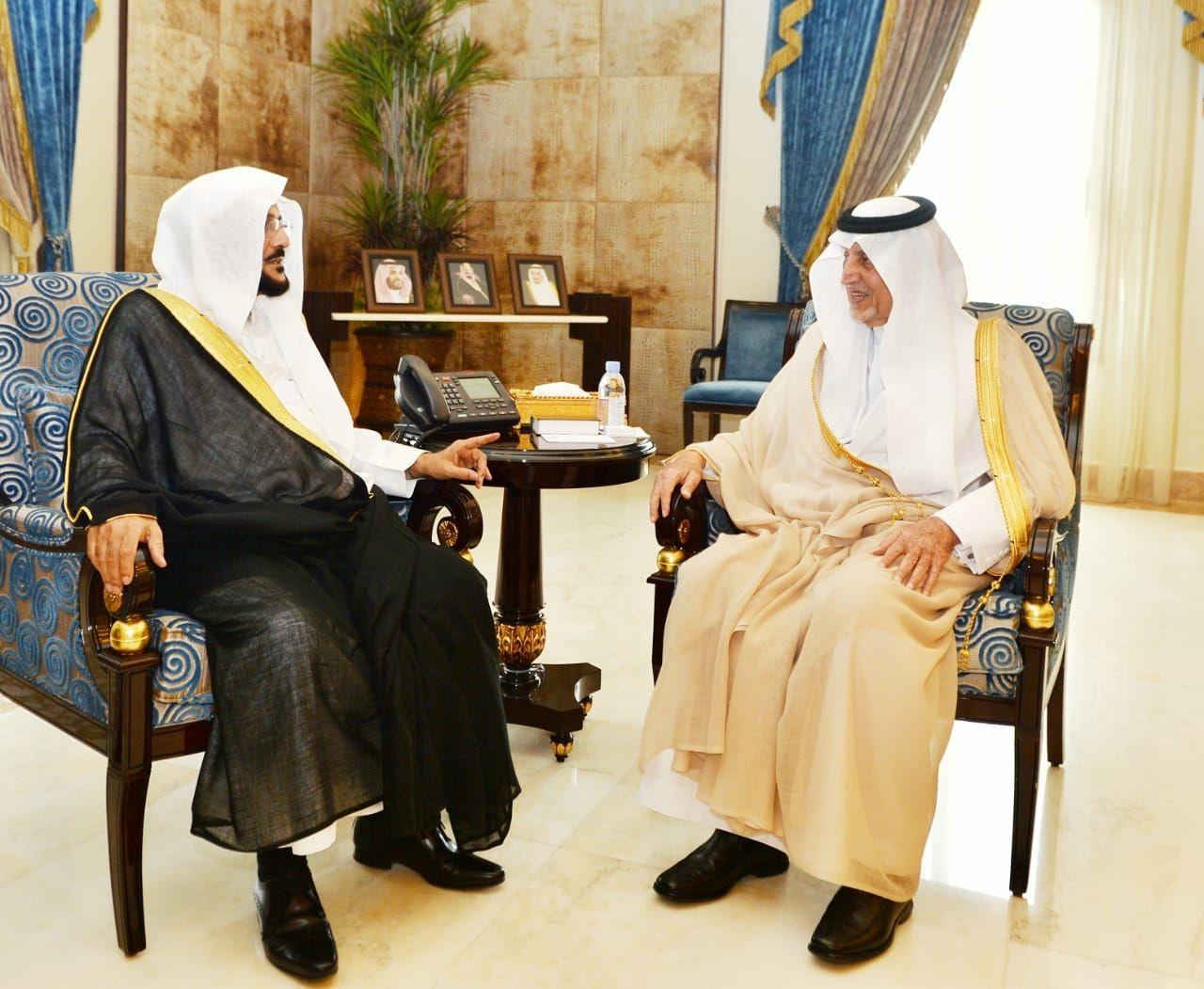 الأمير خالد الفيصل  ونائبه يستقبلان وزير الشؤون الإسلامية