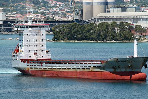 """""""التحالف العربي"""": يعلن إصدار تصاريح دخول الحديدة لسفينتين وتعذر الاتصال بهما لأسباب فنية"""