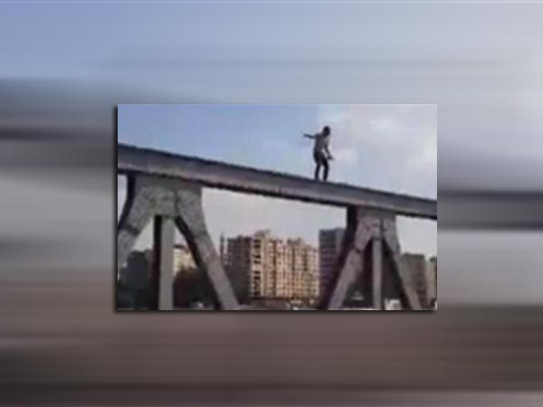 طالب يقدم علي الإنتحار لمروره بأزمة نفسية ووجود مشاكل مع خطيبته في الإسكندرية