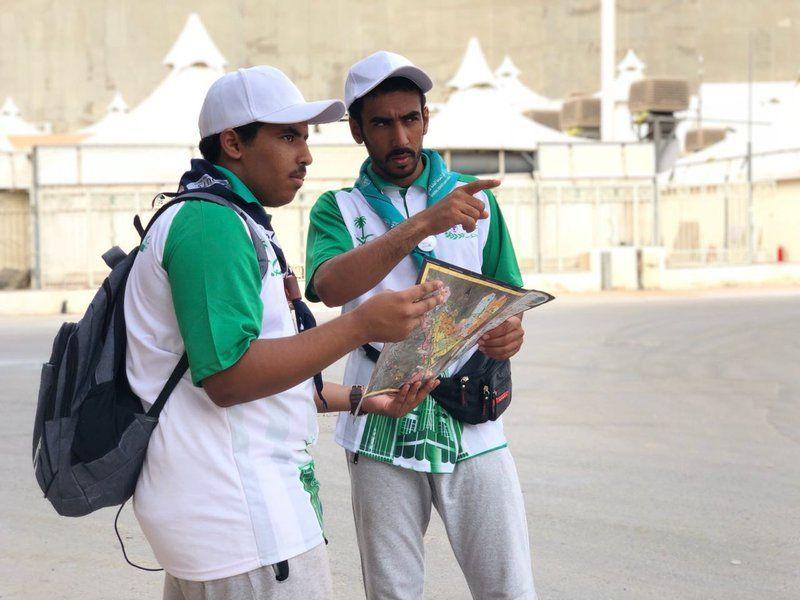 عبر 8 مراكز .. جمعية الكشافة العربية السعودية يبدؤون عملية إرشاد الحجاج التائهين ليلة التروية