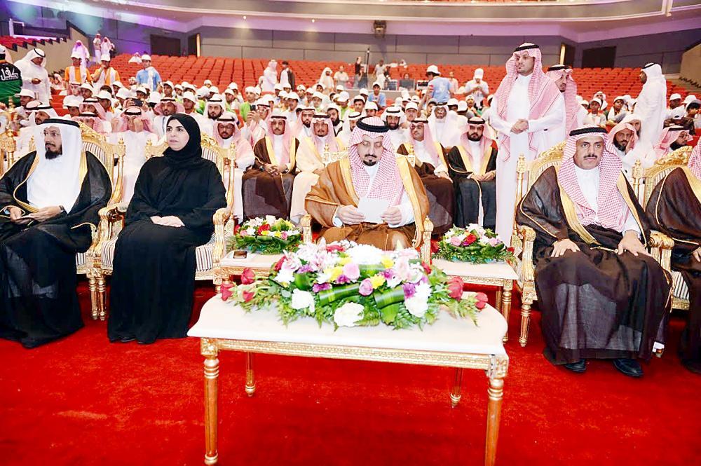 الأمير فيصل بن خالد للمرور : يشدد علي تطبيق الأنظمة المرورية بكل حزم