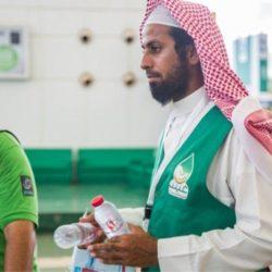 مركز الملك سلمان للإغاثة والأعمال الإنسانية يوزع المساعدات الغذائية على النازحين في الجوف اليمنية