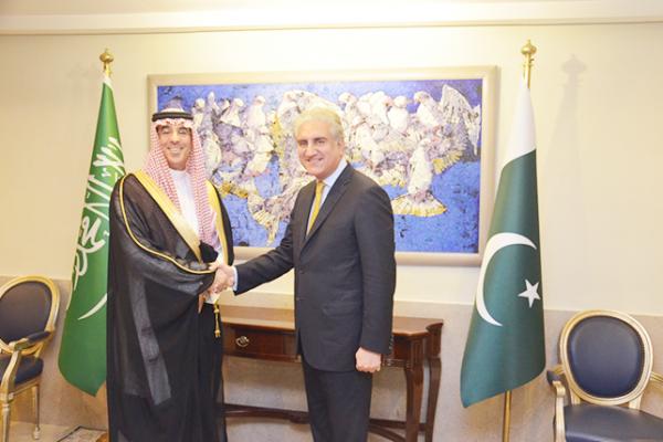 """""""وزير الإعلام"""" يلتقي وزراء الاقتصاد والخارجية والشؤون الدينية في باكستان لتعزيز العلاقات الثنائية"""