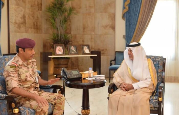الأمير خالد الفيصل ونائبه يستقبلان قائد قوة الأمن الخاصة الثانية