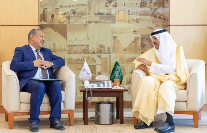 رئيس الهيئة العامة للسياحة والتراث الوطني يبحث مجالات التعاون مع السفير المغربي