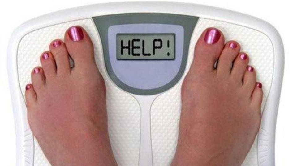 13 طريقة تساعد علي التوقف عن الأكل والتحكم في الشهية.. بينها تجنب الحمية!