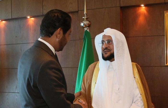 الدكتور عبداللطيف بن عبدالعزيز يستقبل السفير الجيبوتي في الرياض