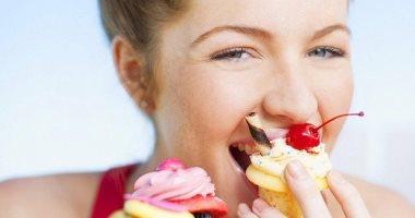 تعرفوا علي أهم الأسباب المرضية التي تؤدي إلي الرغبة في تناول الحلويات