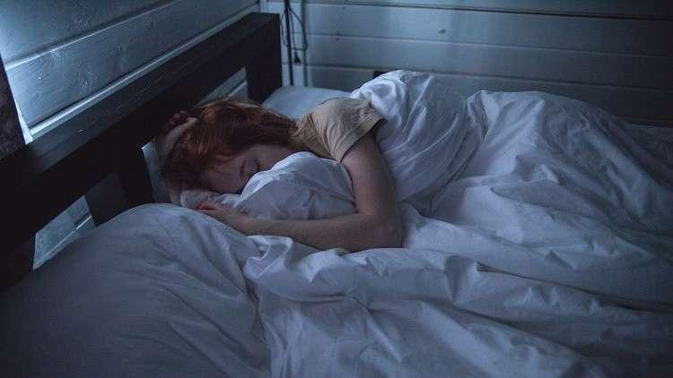 العلاقة بين عدد ساعات النوم وصحة القلب