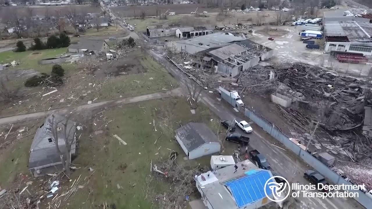 بالفيديو الأعاصر تسبب دمارا فى ولاية إلينوى