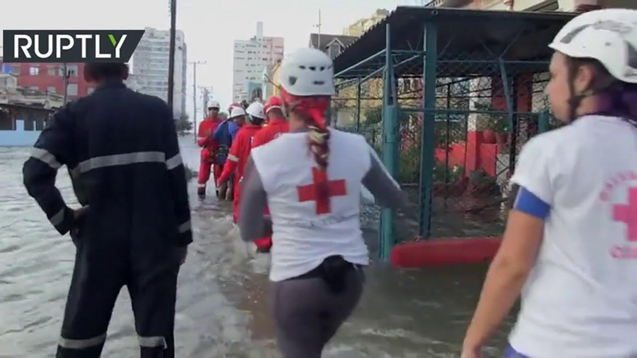 بالفيديو الفيضانات العارمة تجتاح العاصمة هافانا
