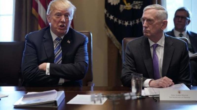 ترامب يعلن مغادرة وزير الدفاع منصبه فبراير القادم