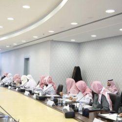 الدكتور حمود بن سماح ينقل تعازي القيادة الرشيدة لذوي الشهيد آل قفلة