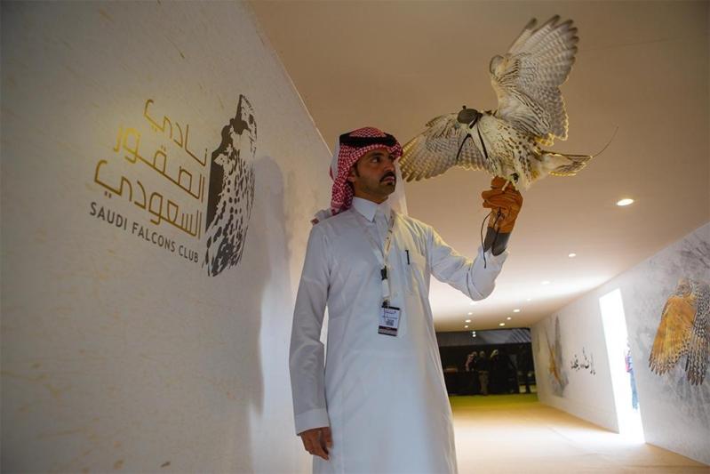 تعرف على نتائج مسابقات الملواح (الدعو) 400 متر في يومها الأول من مهرجان الملك عبدالعزيز للصقور
