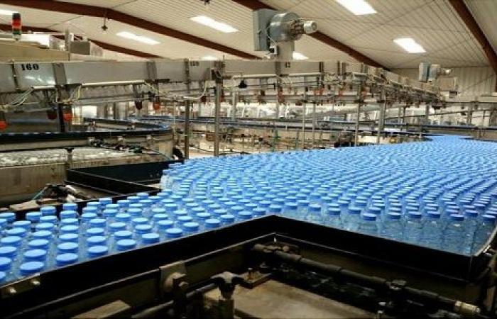 """"""" الغذاء والدواء """" تخالف مصنعا للمياه نشر إعلانًا يحوي معلومات مضللة للمستهلكين"""