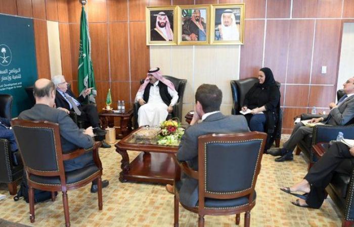 محمد بن سعيد آل جابر يلتقي مبعوث أمين الأمم المتحدة