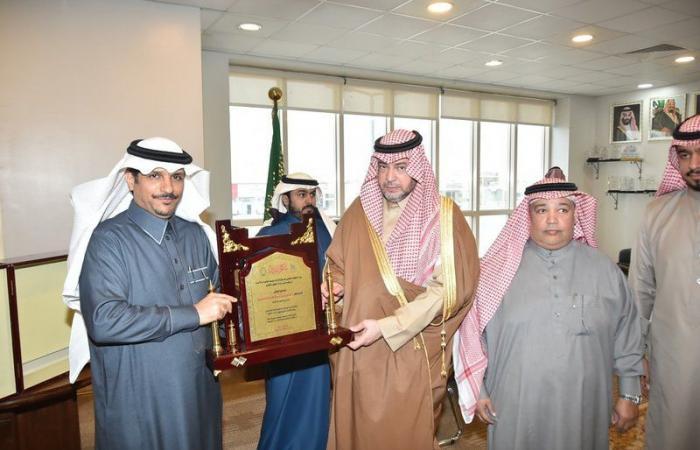 """الدكتور توفيق بن عبدالعزيز يتفقد """"مساجد الأحساء"""""""