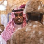 الأمير تركي بن هذلول يشارك المرابطين بإطلاق قذيفة مدفعية بالحد الجنوبي