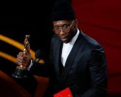 اطاحة Roma بكفر ناحوم ويفوز بجائزة أوسكار أفضل فيلم أجنبي