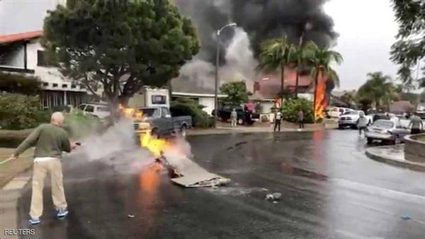 مقتل 5 أشخاص وإصابة 3 آخرين اثر تحطم طائرة في لوس أنجلوس