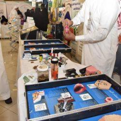 """فريق التطوع في الهلال الأحمر السعودي يستقبلون الأيتام وذوي الاحتياجات الخاصة بـ""""ورد الطائف 15″"""