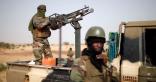 سيطرة مسلحون على قاعدة عسكرية بمالى ويقتلون 16 جنديا